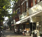 My Sheen Village - Local News and Information - Shops and Shopping - Kew - Mia Wood towards Greenhouse Cafe