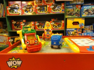 My Sheen Village - Shopping in Sheen - Play Inside Out - Wow toys